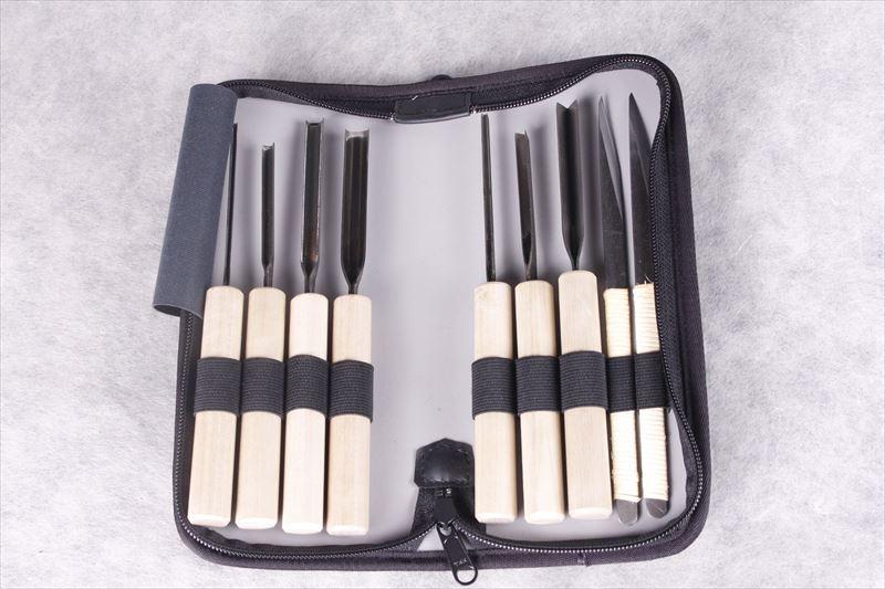 set of peelers